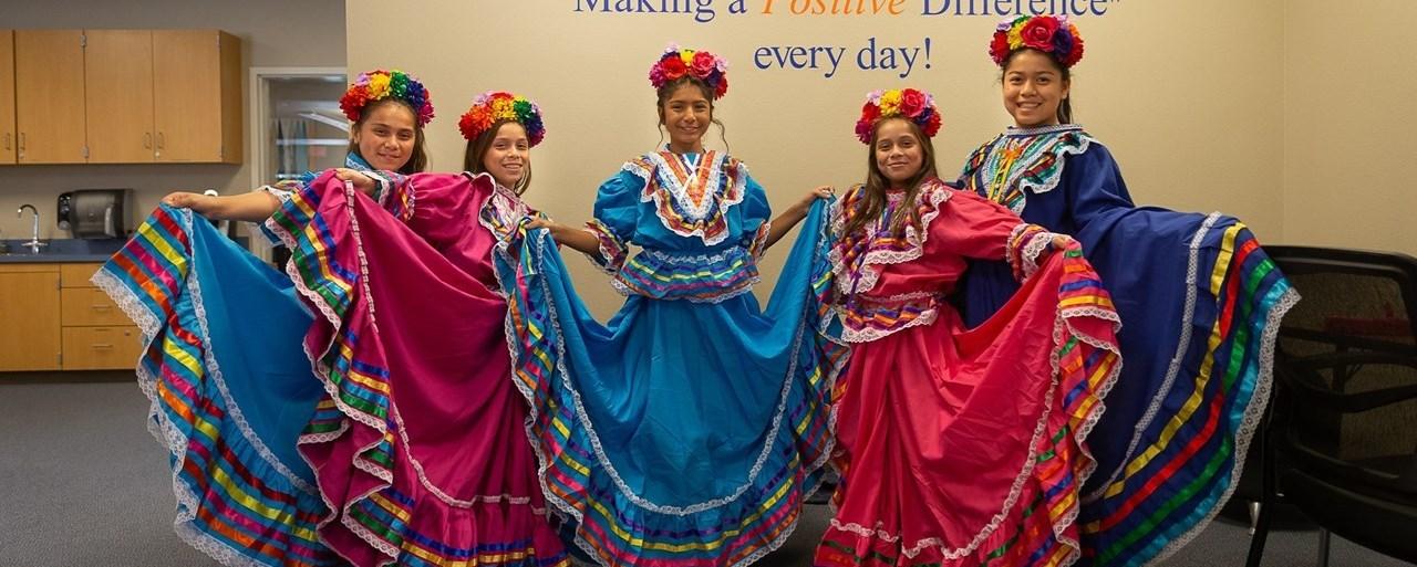 miramonte folklorico dancers posing